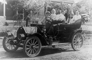 NA Steinauer and Children in Family Car 1910